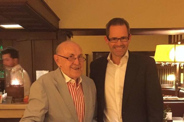 Prof. Dr. Hans Raffee und Alexander Groth