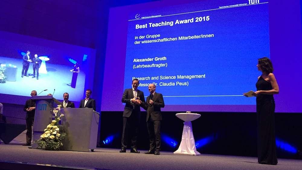 Alexander Groth erhält Best Teaching Award der TUM